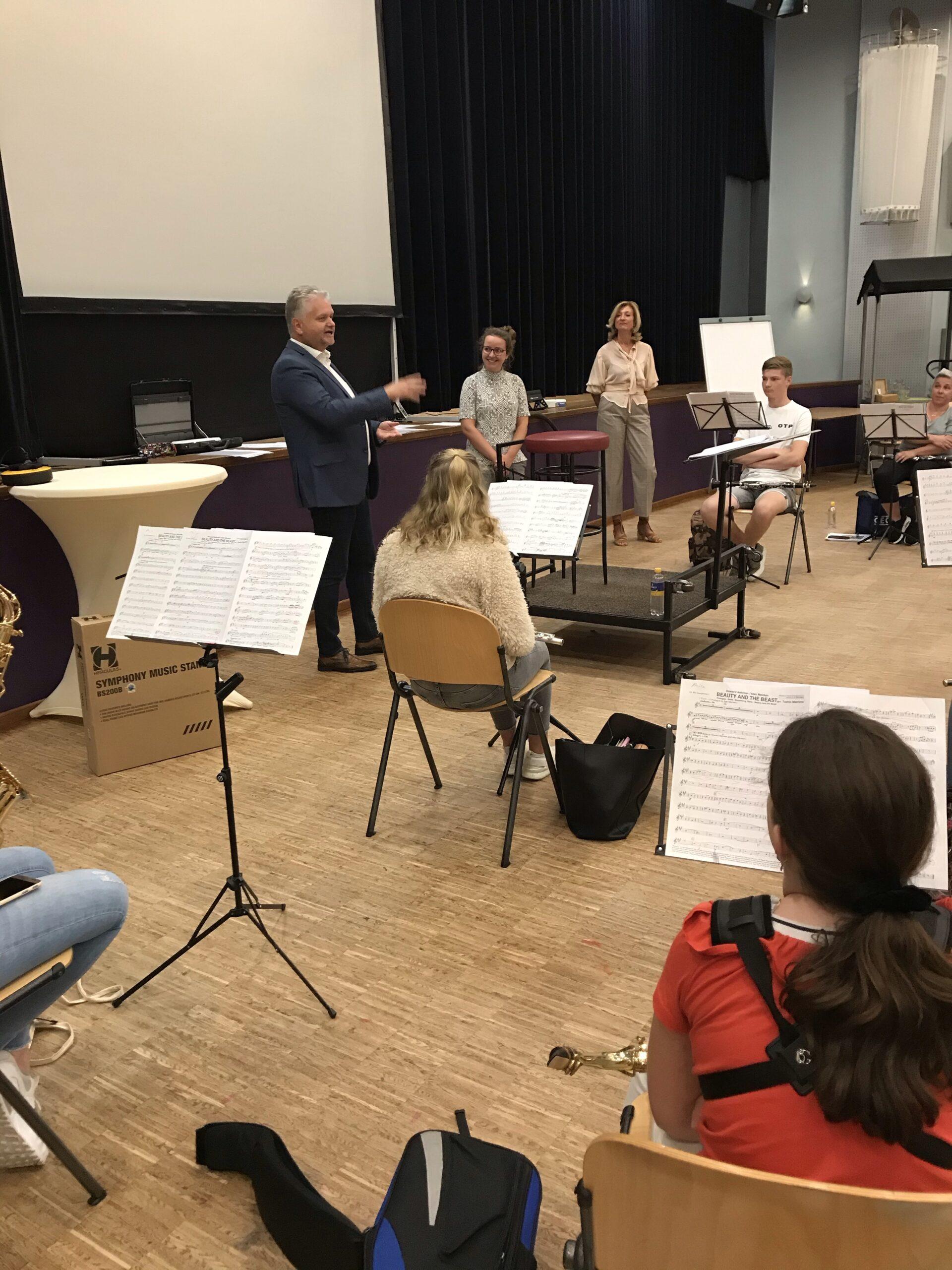Uitreiking hoofdprijs Nationale Open Onlinewedstrijd van KNMO Klankwijzer - Harmonie de Vriendenkrans